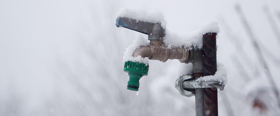 Bevorzugt Rohrleitungen vor Frost schützen – Wassertechnik Ratgeber – MCM FR71